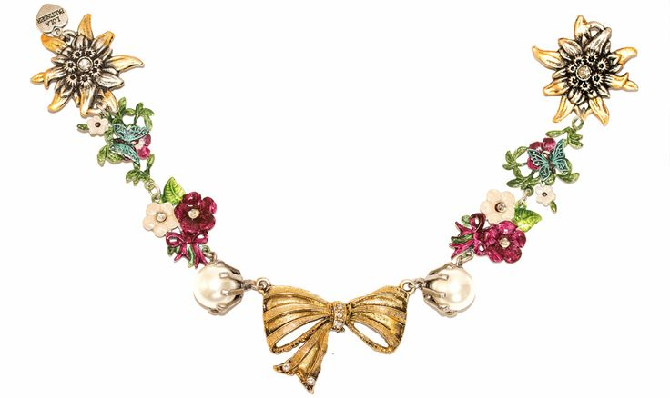 Sweet necklace with bow. Looks too sweet with your Dirndl. by Lola Paltinger