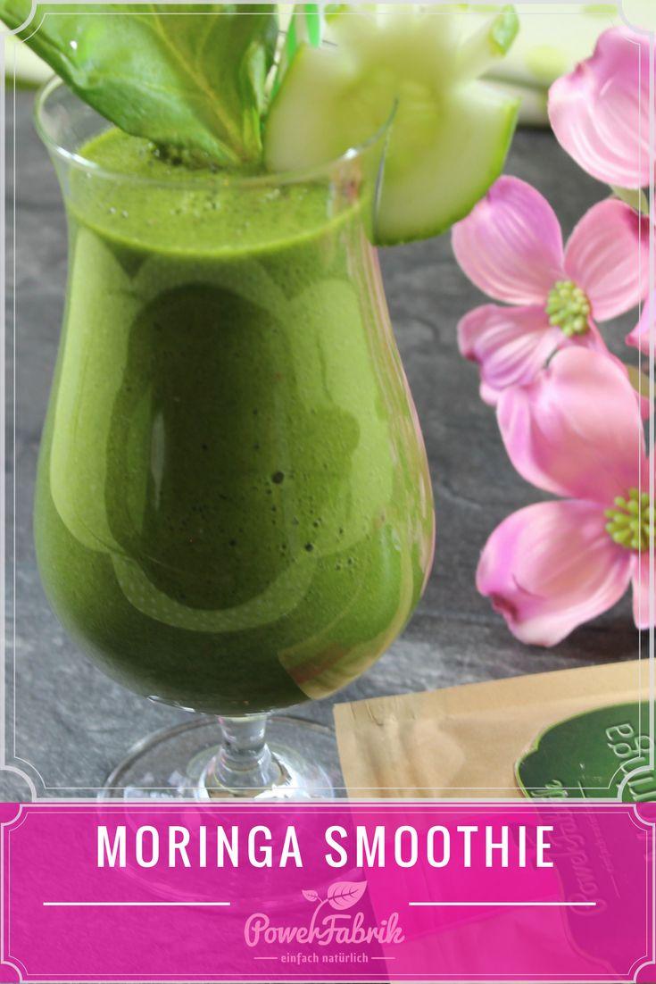 Moringa Smoothie. Ein super schneller veganer Smoothie zum selber machen. Tolles Detox Rezept mit Bio Moringa Pulver. Low Carb geeignet.
