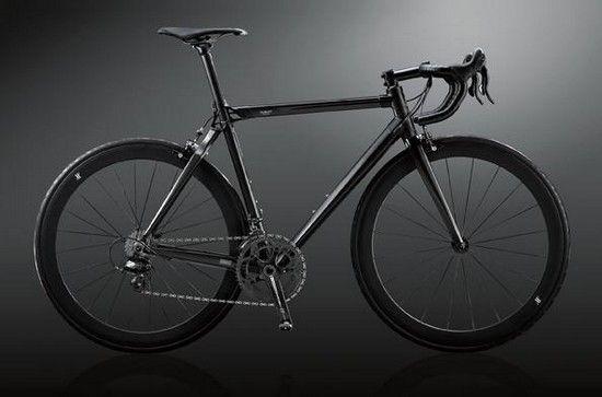 """Hublot """"All Black"""" Bike x BMC"""