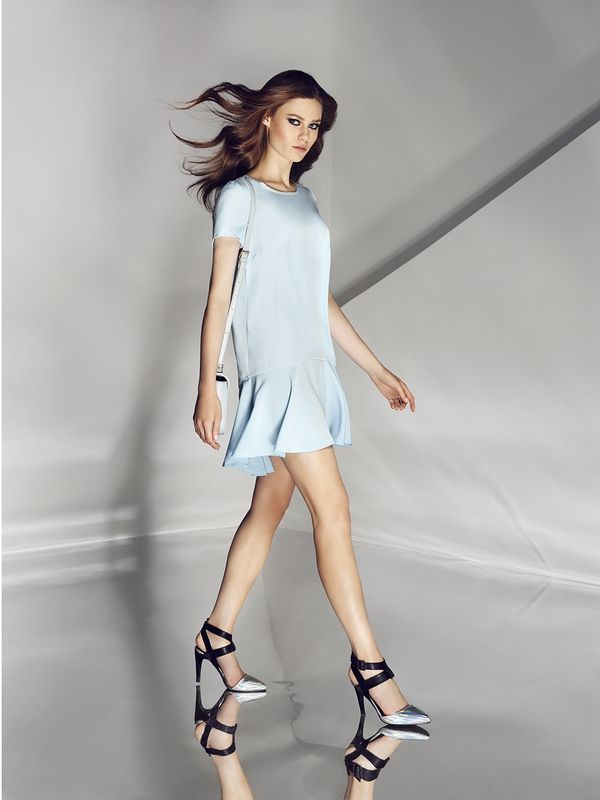 Blue dress. Buy here: http://www.mohito.com/pl/pl/ks879-50x/dress-with-back-snaps