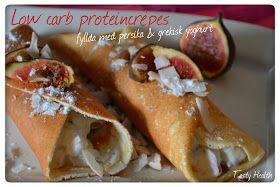 Low carb proteincrêpes fyllda med persika & grekisk yoghurt