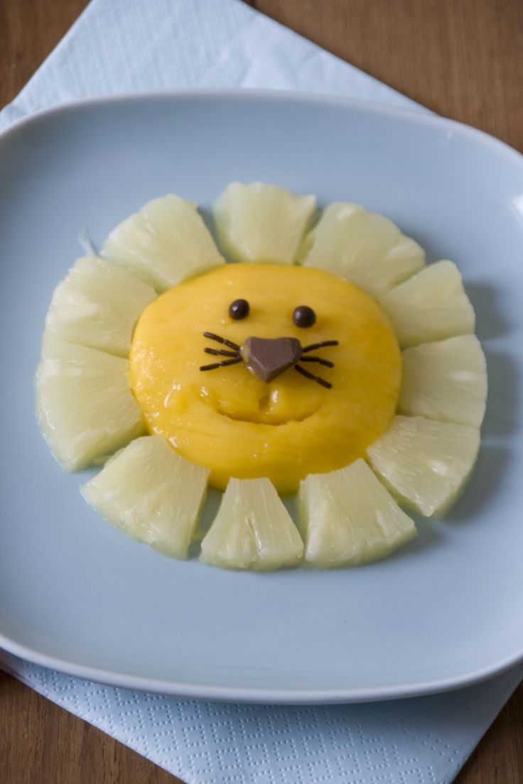 pineapple and manga lion