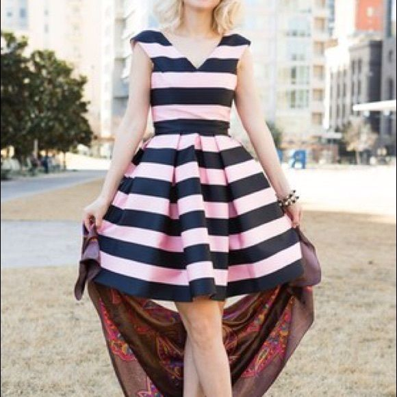 TOPSHOP Striped Dress 👆🏽 SALE ALERT Excellent condition. Only tried on. Topshop Dresses