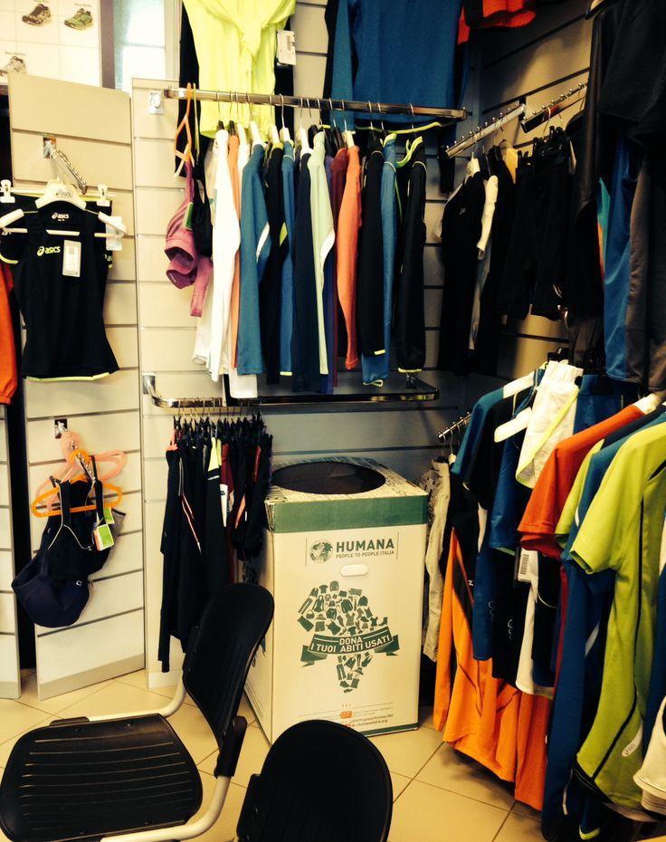 Uno dei Negozi Solidali che hanno scelto di ospitare il nuovo Ecobox per la raccolta dei vestiti usati.
