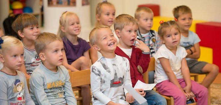 Театр детской книги http://feedproxy.google.com/~r/gymnasiaru/~3/GpTb1GLg4Vk/teatp-detskoy-knigi.html  Наших малышей восхищает и впечатляет театральное искусство! Уже в первые дни сентября открылся занавес, и коллектив воспитателей дошкольного звена пригласил мальчиков и девочек посмотреть созданный ими кукольный спектакль