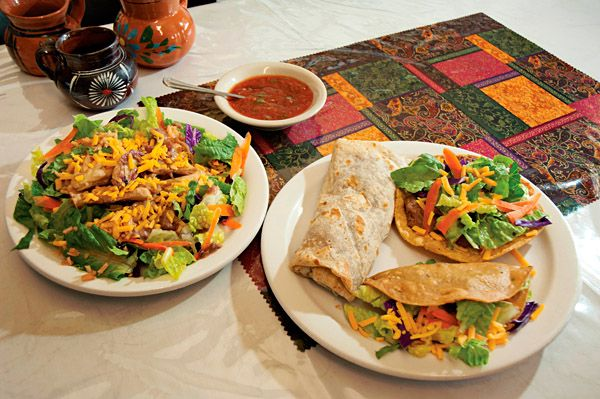 Los Jarritos: Mexican Food and a Twist of Twilight Zone - Phoenix New Times. Love Mexican food, a must 'to do'