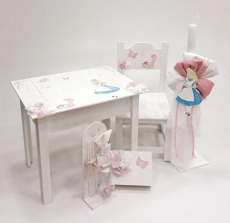 βαπτιστικό κουτί θρανίο ,με λαμπάδα ,λαδοσέτ κ κουτί μαρτυρικών με θέμα την Αλίκη στη χώρα των θαυμάτων από την Έλενα Μανάκου