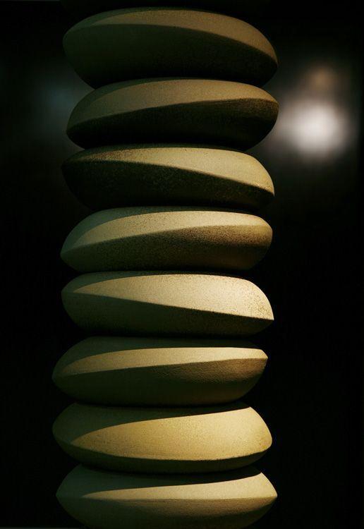 """Kimi Nii - High Temperature Ceramics: """"Colunas"""""""