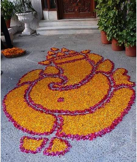 INDIA: Ganesha Rangoli Designs