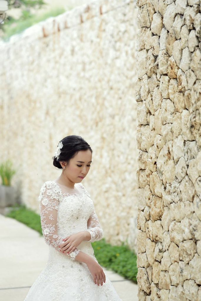 Wedding dress by Oscar Daniel
