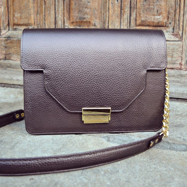 #the5thelementbags #rosettishowroom #chocolate #texture #leather #shoulder #bag #fallwinter
