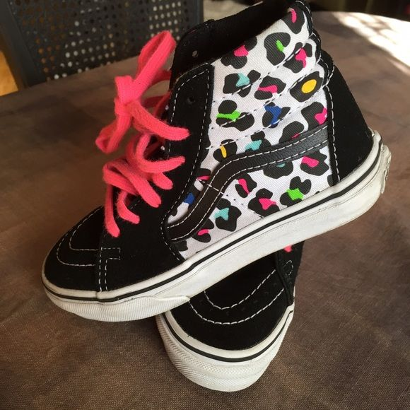 Kids Leppard Vans Girls vans with pink laces! Gently worn for the month she still fit them. Super cute and extra comfortable. 🙌🏽💕 Vans Skate high Vans Shoes