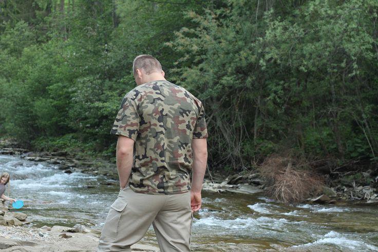 Kvalitné krátke maskáčové tričko od Helikonu v prevedení PL WOODLAND. http://www.armyoriginal.sk/1731/52879/kratke-maskacove-tricko-pl-woodland-helikon.html