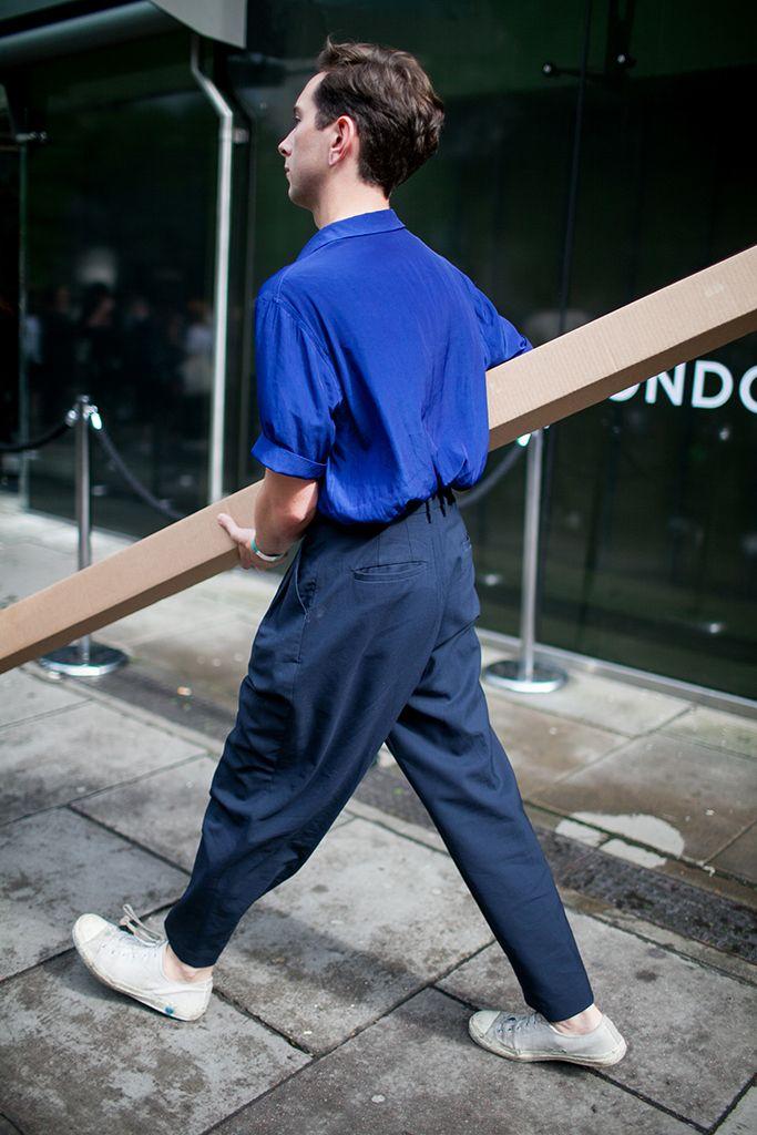 【海外スナップ】パンクの聖地はやっぱりここだ! 2017年春夏ロンドン・ファッション・ウイーク ストリートスナップ 43 / 111