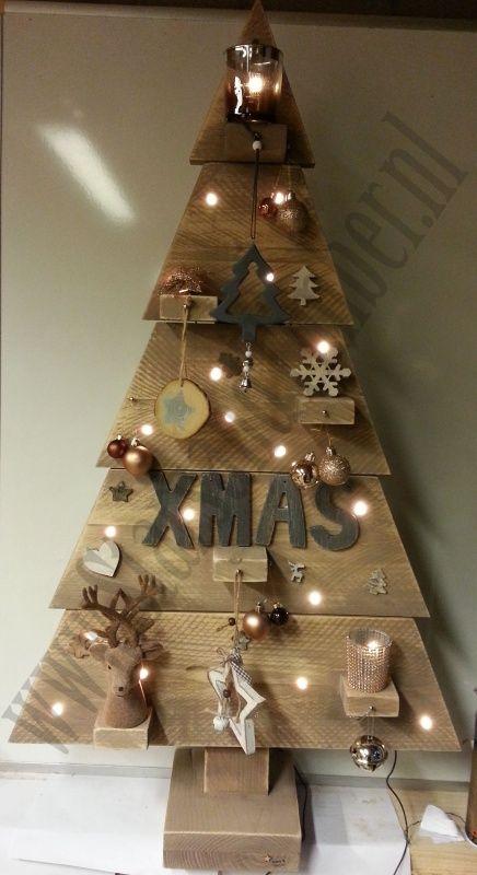 Steigerhouten kerstboom 115 inclusief versiering