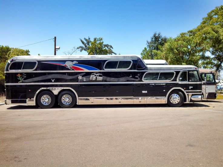Custom Built Travel Trailers >> Scenicruiser two side a   Old Busses & House Trucks   Bus camper, Prevost bus, Luxury bus
