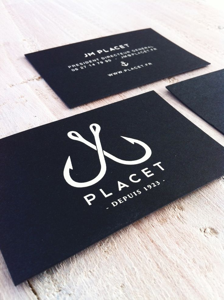 """Cartes de visite """"luxe"""" papier black avec marquage à chaud argent.  http://www.tinatictone.com/"""