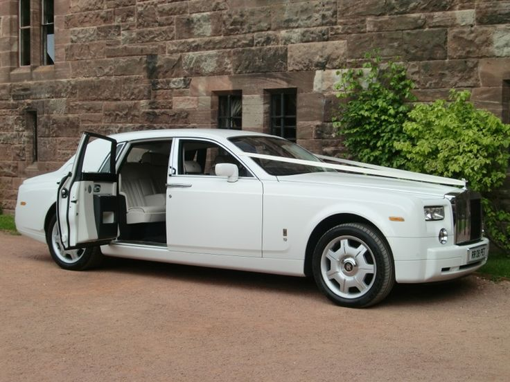 There is only one wedding car in our eyes, and thats a white rolls royce phantom. What would your choice be? #wedding #car