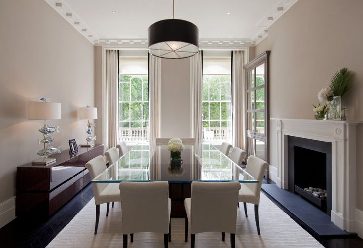 This Marylebone townhouse in central London has a contemporary yet classic interior by Homerun Services.