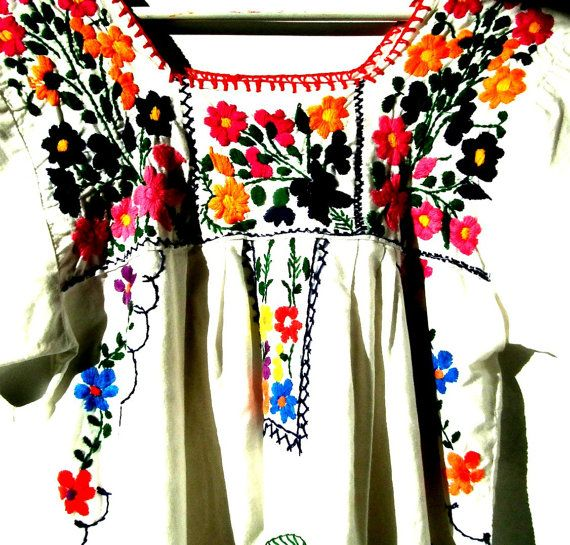 Mexican dress Embroidered dress Vintage mexican by ZazaofCanada