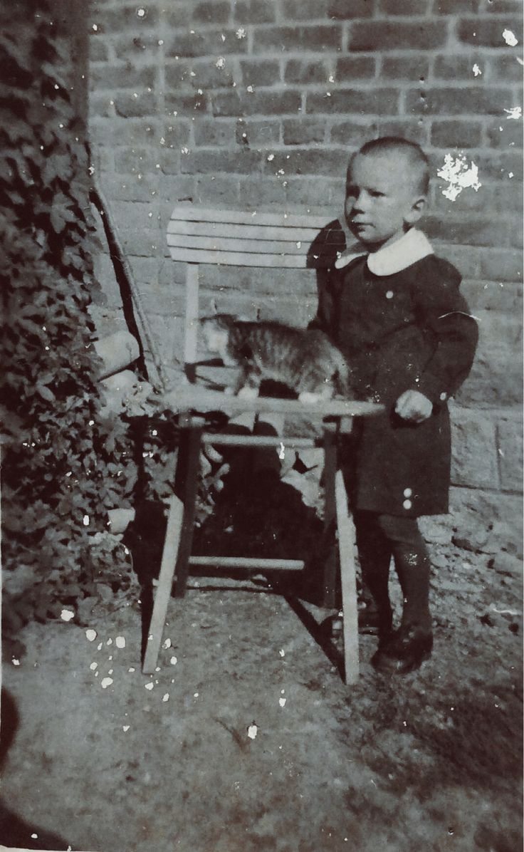 Henryk Rajs - zdjęcie wykonane ok. roku 1940 przez Niemca imieniem Fryc. Zdjęcia użyczył Władysław Rajs.