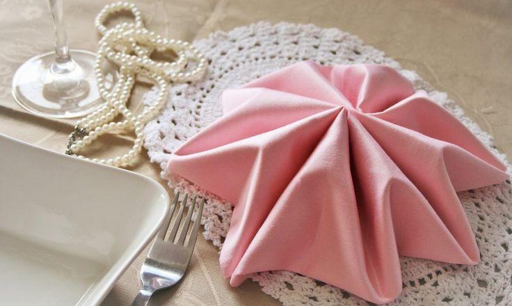ber ideen zu servietten falten stern auf pinterest servietten falten servietten und. Black Bedroom Furniture Sets. Home Design Ideas
