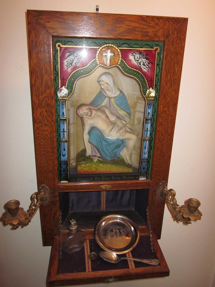 Antique Viaticum Oakwood Last Rites Wall Altar Pieta Shrine Communion Set