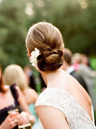 wedding photography - lisa lefkowitz - bride - getting ready - wedding hairstyle - updo
