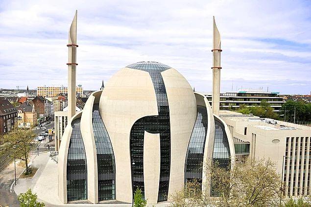 Diyanet İşleri Türk İslam Birliği Camii -  Almanya