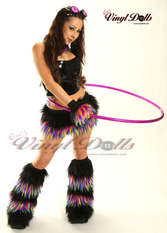 i like these more traditional hooop outfits. reminds me when it was the hot new thing and we were performing in clubs