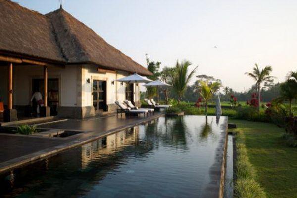 Villa Rumah Lotus pool 2