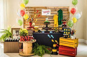 Decoração Festa Infantil - Mesa de Doces e Bolo (Decoração: Lollis)