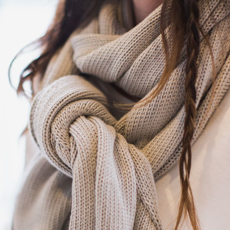 Sky knitted shawl - sand