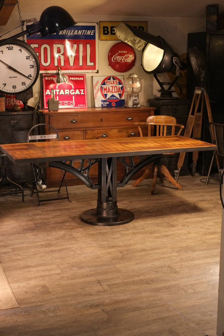 Table industrielle pied fonte idees deco pinterest for Table industrielle