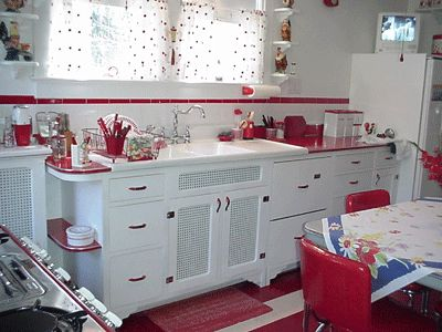 Love This Red Retro Kitchen I Have A Lot Of Red Kitchen Appliances And I Like This Theme