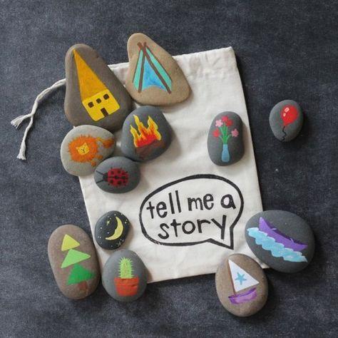 vertelstenen  Je begint met stenen zoeken. Het liefst gebruik je hiervoor gladde stenen met ronde vormen. Als je een aantal stenen hebt mogen de kinderen daar zelf een plaatje op schilderen. Tot slot leg je de stenen willekeurig naast elkaar en probeert een verhaal te maken van de plaatjes. Dit buitenspelletje kun je binnen afmaken en als je de stenen bewaart kun je nog vaak verhalen vertellen.