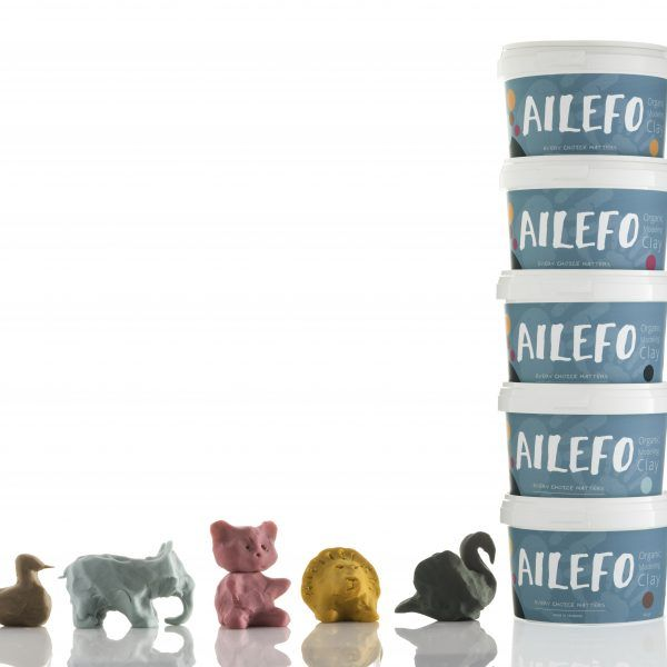 All large Tubs of 540 gr Ailefo Organic Modeling Clay. Green, blue, red, brown and yellow. Buy all 5 colors and get one bucket FREE. Institutions use it. Price 475 DKK