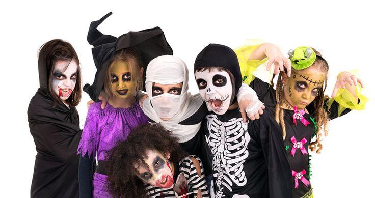 Halloween Mottoparty Tipps & Ideen u.a. ✓ Basteln ✓ Spiele ✓ Deko ✓ Essen ✓ Einladungen ✓ Kostüme. Für die Grusel Kindergeburtstag oder die Gruselparty.
