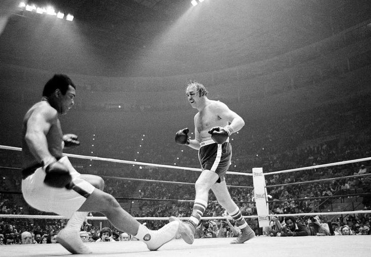 """Chuck Wepner """"The real Rocky"""" drops Ali on his Ass... The Bayone Bleeder"""