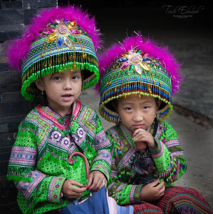 https://flic.kr/p/JiUuMD | Dressed to impress | Market days are popular gatherings in northern Vietnam
