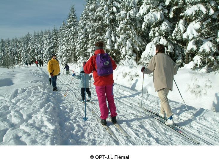En #Belgique on peut #skier ! Et oui, chez nous aussi les pistes commencent à s'ouvrir ... Tes skis sont fartés, vérifie sur le bulletin d'enneigement où la poudreuse sera la meilleure pour tes exploits :-)