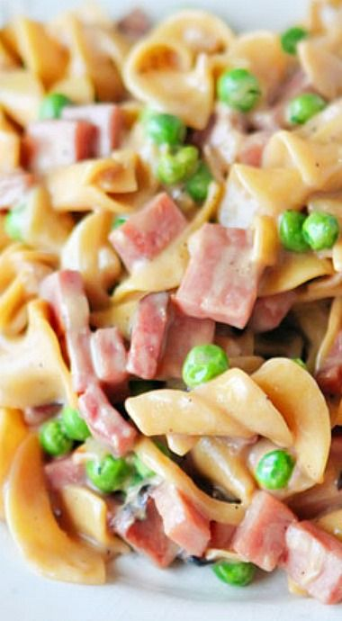 Peas, Ham and Creamy Noodles ~ This simple recipe is so easy and so delicious.