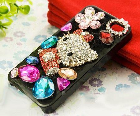 Penggemar Hello Kitty pasti suka dengan casing yang mewah ini.