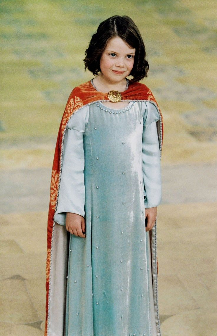 Lucy Pevensie in Narnia parison Bee as a little