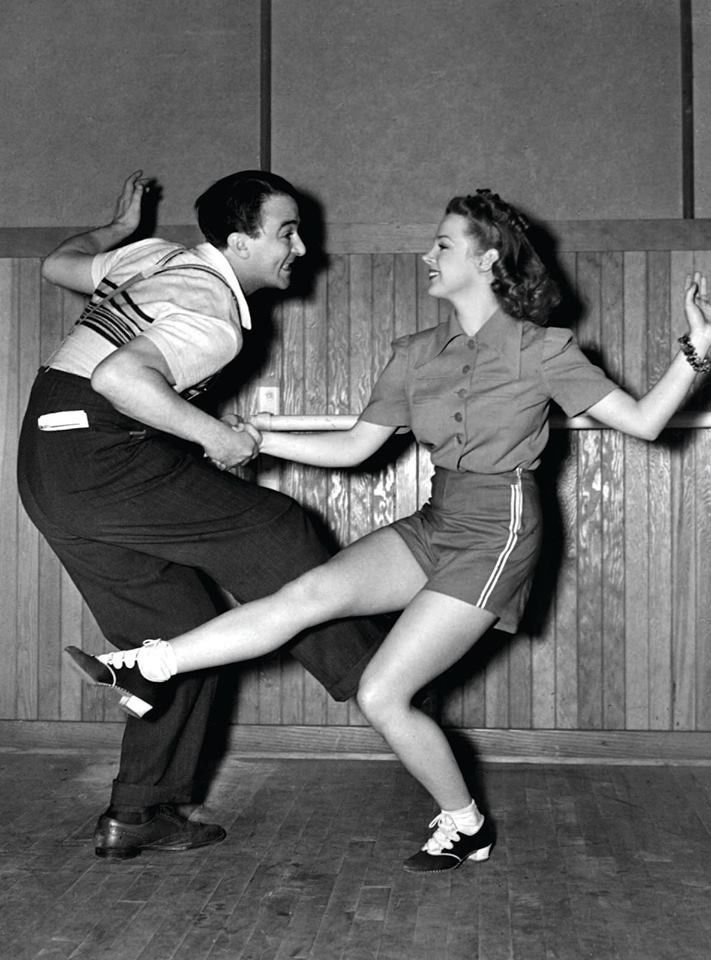 Judy Garland in rehearsal.Vintage Dance, Lindy Hop, Judy Garlands, Swings Dancers, 1950S Swings, 1950 Dance, Dance 1950S, Happy Weekend, 1950S Dancers