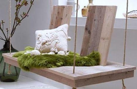 La récup mène à tout… Même au design ! Si le premier métier de Philippe Plateaux, patron de Luka Deco Design Agence est d'être décorateur d'intérieur (coaching, agencement de maison…), il s'est maintenant diversifié dans la création de meubles. Fauteuils, tables, balancelles… il conçoit pour vous toutes sortes de meubles personnalisés, avec une particularité : il privilégie les matériaux de récupération fabriquant ses meubles à partir de palettes en bois ou de caisses d'emballage.