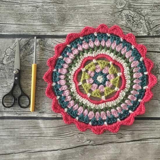 crochet mandala pattern free, thanks so for share xox ☆ ★ https://www.pinterest.com/peacefuldoves/