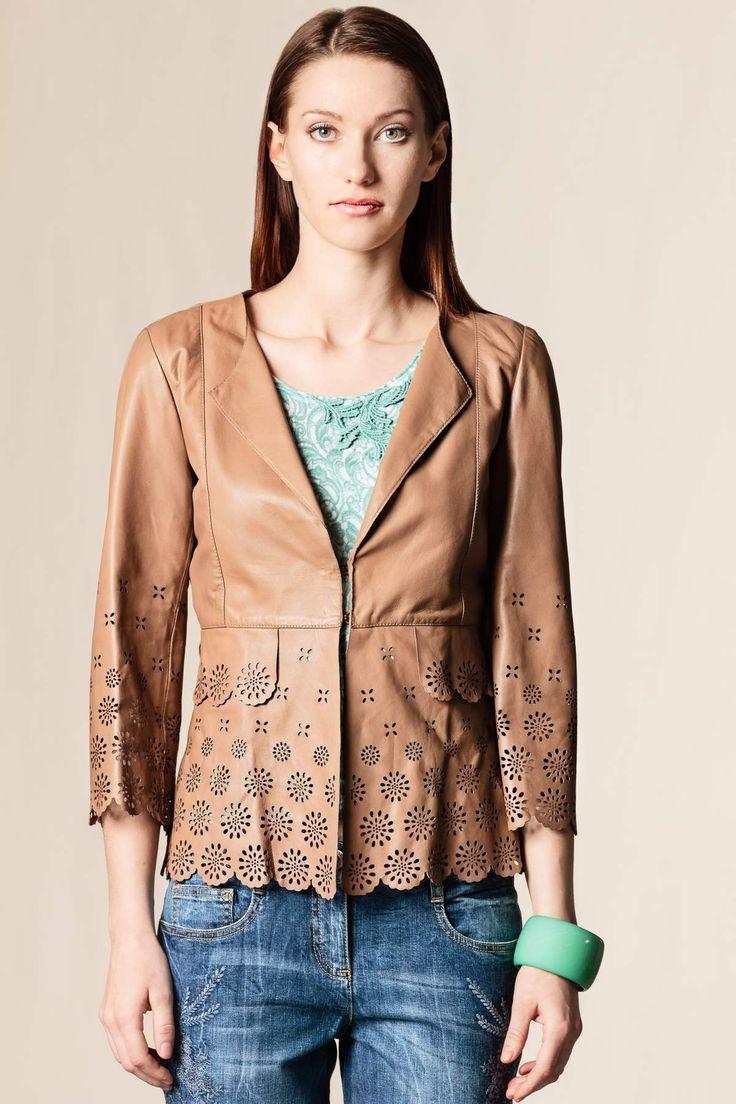 Giacca pelle laserata beige #dressingfab #shoponline #shopping #scervino #fashion