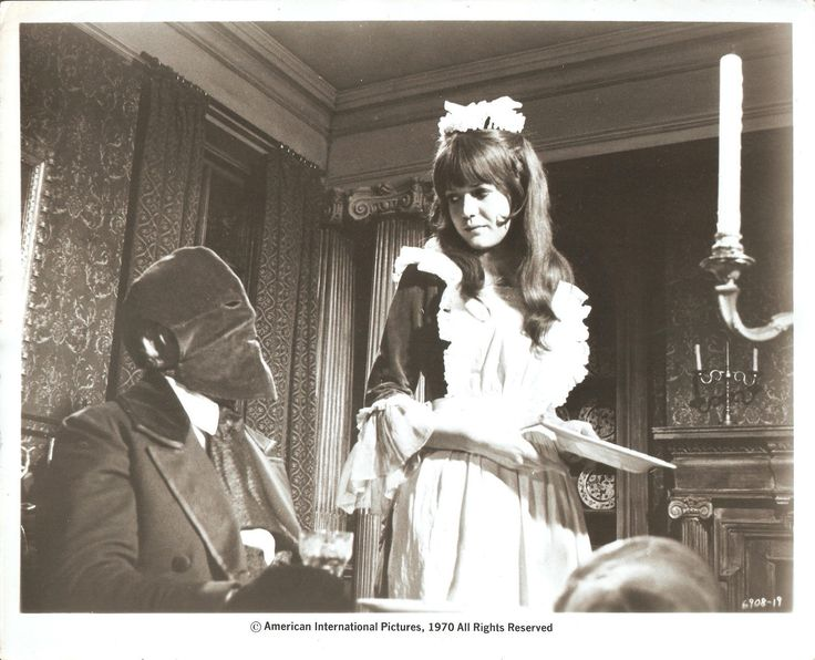 Vincent Price and Sally Geeson in The Oblong Box, 1969