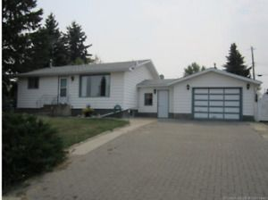 House for sale or rent in Sedgewick AB